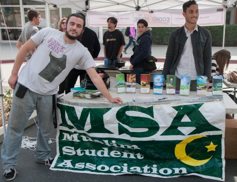 Club Rush: Representives from the Muslim Student Association at Riverside City College  participate in one of the many events on campus to try to spread awareness to the student body about Islam. (Photo by Dominique Williams)
